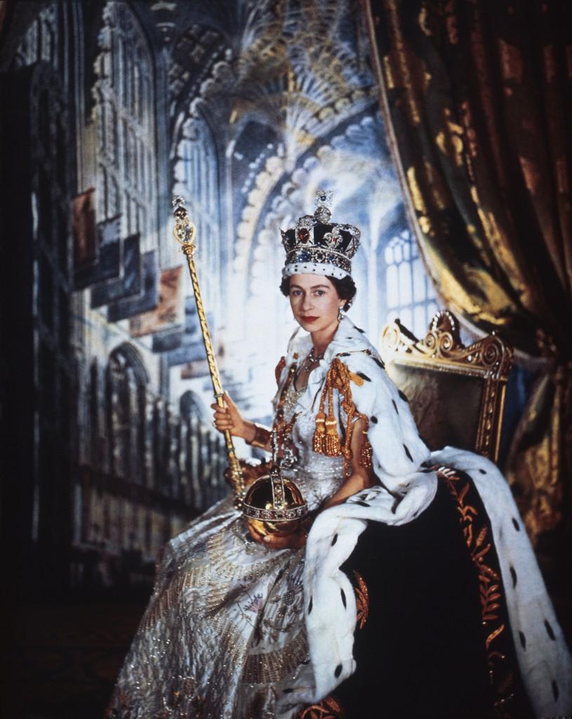 Queen Elizabeth II in Coronation Robes, photo Cecil Beaton