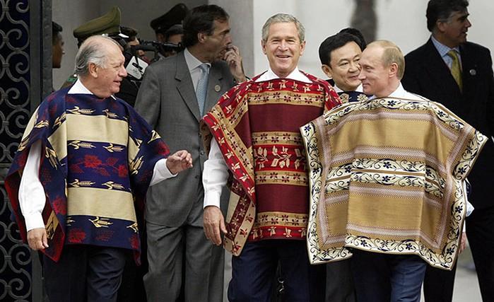 Ricardo Lagos, George Bush and Vladimir Putin during the Apec summit 2004 in Santiago.