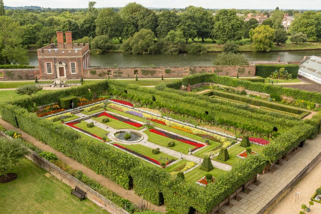 Roses In Garden: Tales Of Lost Gardens