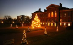 Kensington Palace lights up for Christmas