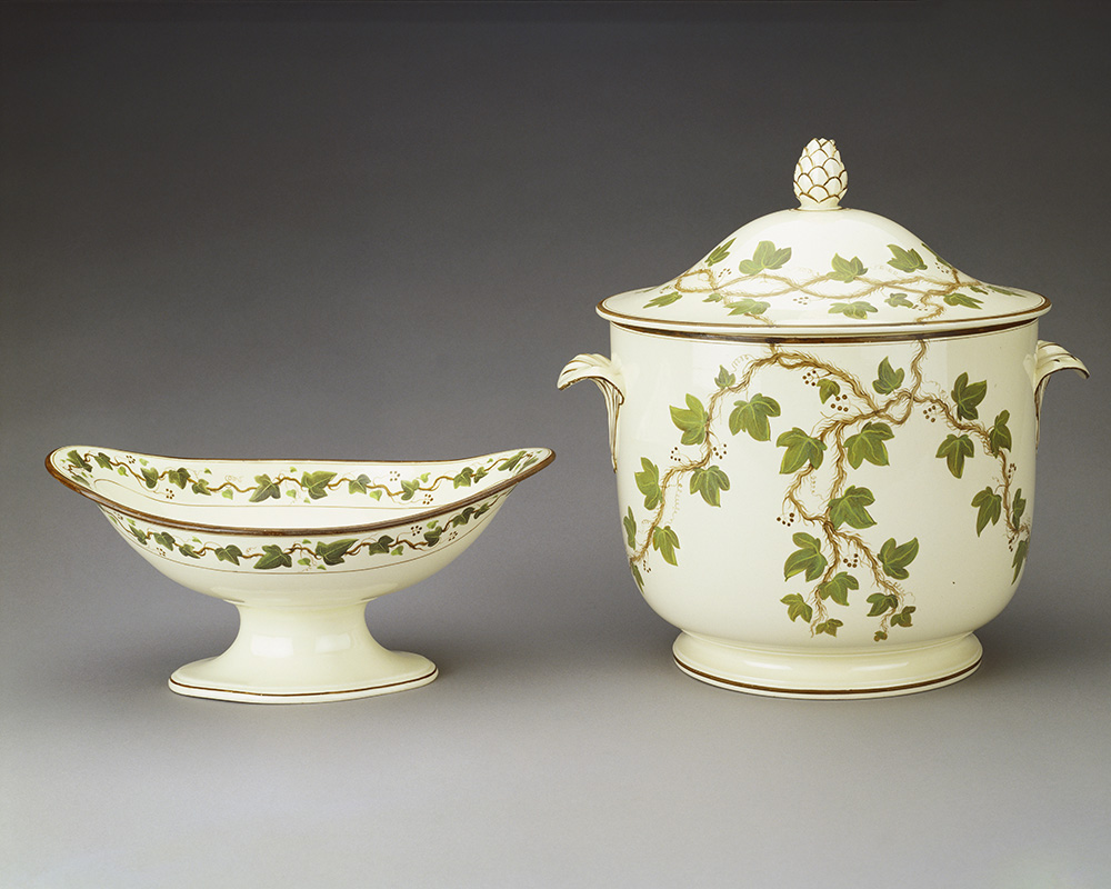 Creamware (Queensware) porcelain urn and cover, Royal Collection Trust © Her Majesty Queen Elizabeth II 2017