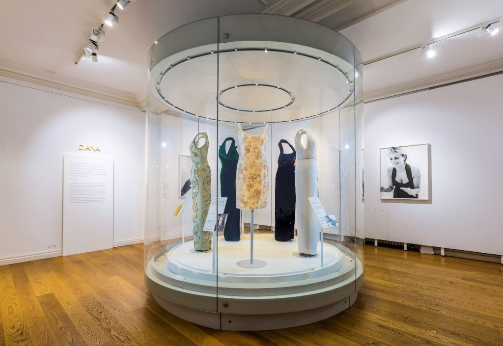 The last room in 'Diana: Her Fashion Story' at Kensington Palace. © Historic Royal Palaces
